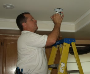 moorpark electrician installing recessed lighitng